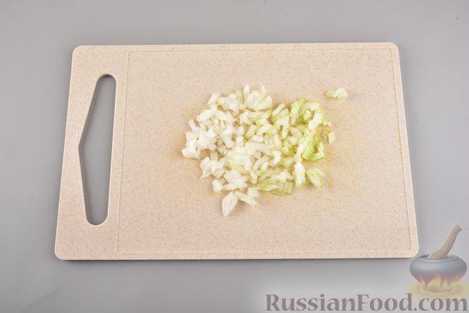 Фото приготовления рецепта: Кабачковые зразы с мясным фаршем и сыром - шаг №6