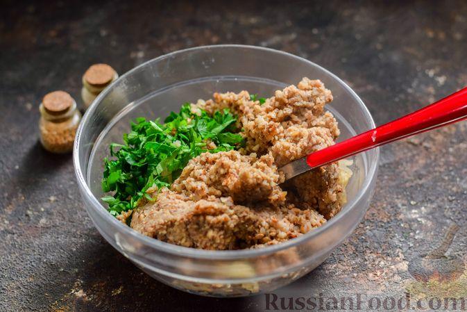 Фото приготовления рецепта: Котлеты из гречки, картофеля и зелени (без яиц) - шаг №7