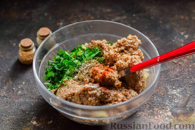 Фото приготовления рецепта: Котлеты из гречки, картофеля и зелени (без яиц) - шаг №8