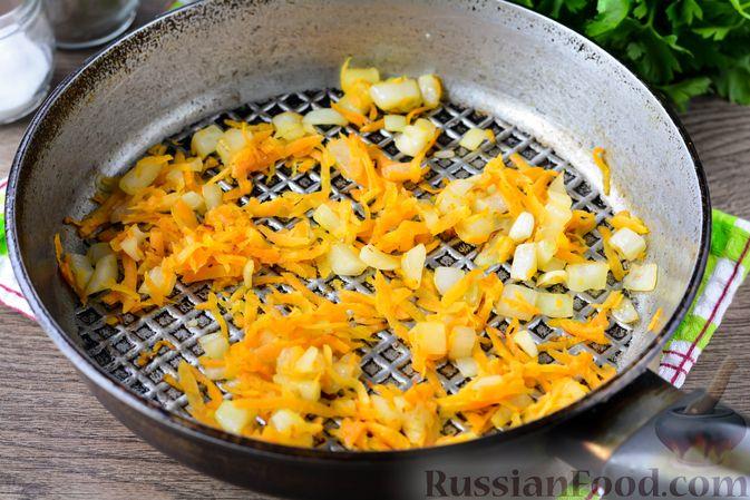 Фото приготовления рецепта: Котлетки из свеклы и моркови - шаг №5