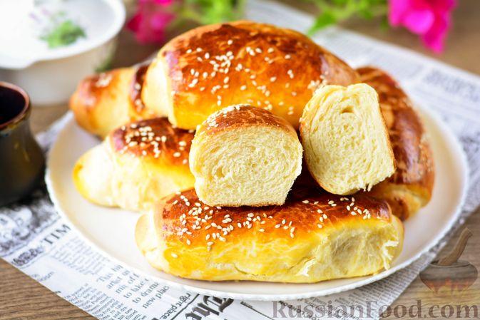 Фото к рецепту: Дрожжевые булочки с кунжутом
