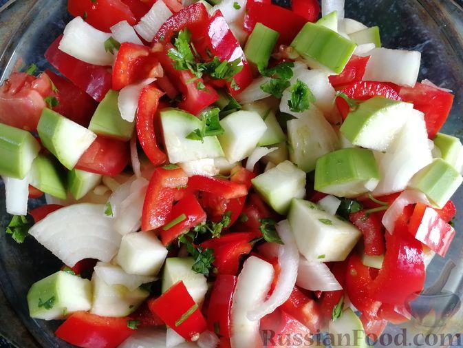 Фото приготовления рецепта: Кабачки, тушенные с болгарским перцем и помидором, в микроволновке - шаг №7
