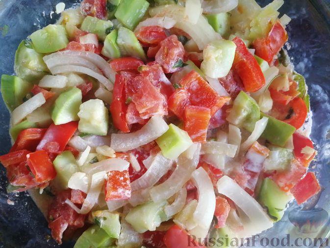 Фото приготовления рецепта: Кабачки, тушенные с болгарским перцем и помидором, в микроволновке - шаг №9