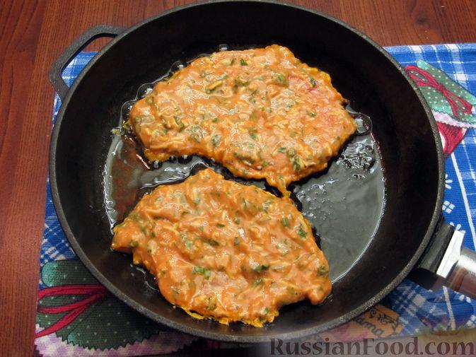 Фото приготовления рецепта: Отбивные из свинины в томатно-сырном кляре - шаг №15
