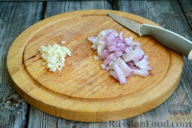 Фото приготовления рецепта: Соус болоньезе - шаг №2