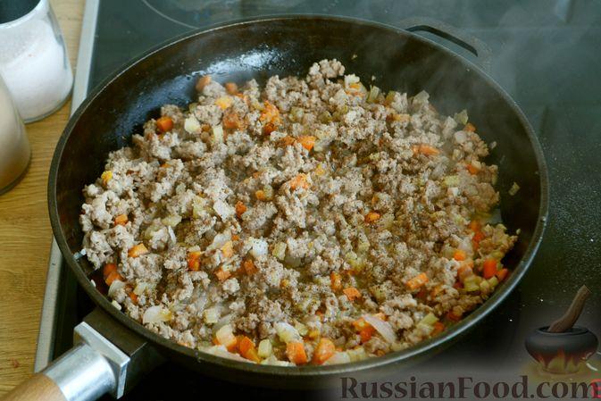 Фото приготовления рецепта: Соус болоньезе - шаг №7