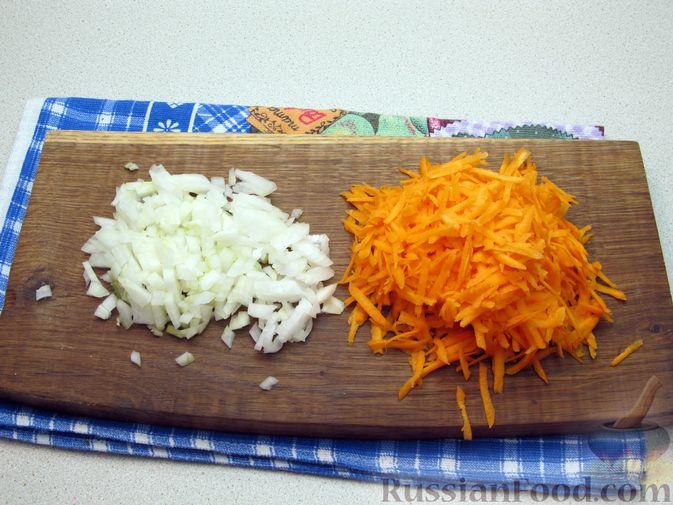 Фото приготовления рецепта: Щи из свежей капусты с говядиной и щавелем - шаг №6