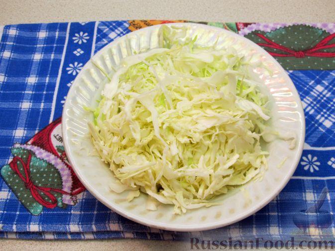 Фото приготовления рецепта: Щи из свежей капусты с говядиной и щавелем - шаг №8
