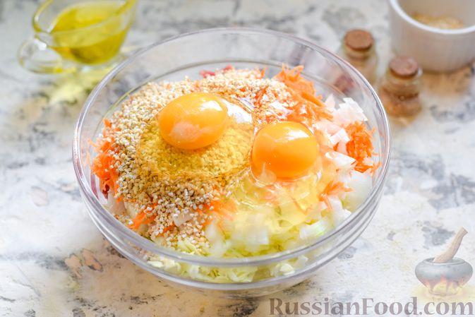 Фото приготовления рецепта: Ленивые голубцы с ячневой крупой, в духовке - шаг №7