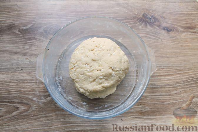 """Фото приготовления рецепта: Творожное печенье """"Пельмешки"""" с орехами и джемом - шаг №7"""