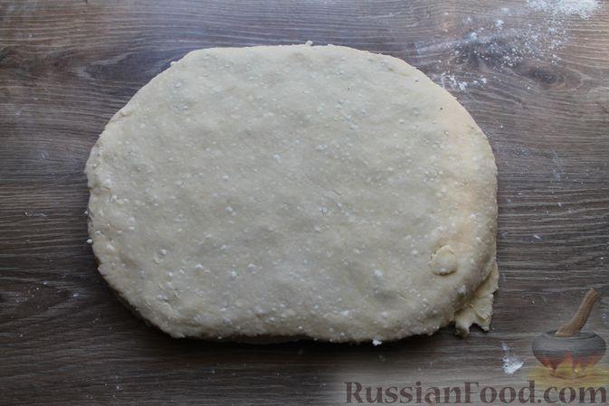 """Фото приготовления рецепта: Творожное печенье """"Пельмешки"""" с орехами и джемом - шаг №17"""