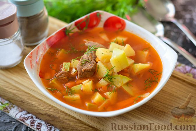 Фото к рецепту: Суп из говядины с кабачками