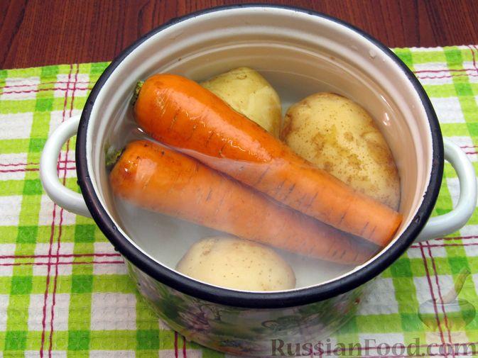 Фото приготовления рецепта: Винегрет с мидиями - шаг №4