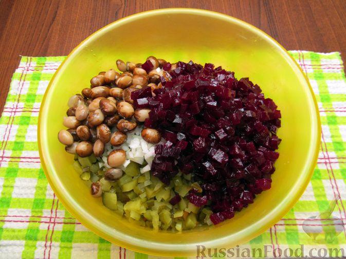 Фото приготовления рецепта: Винегрет с мидиями - шаг №12