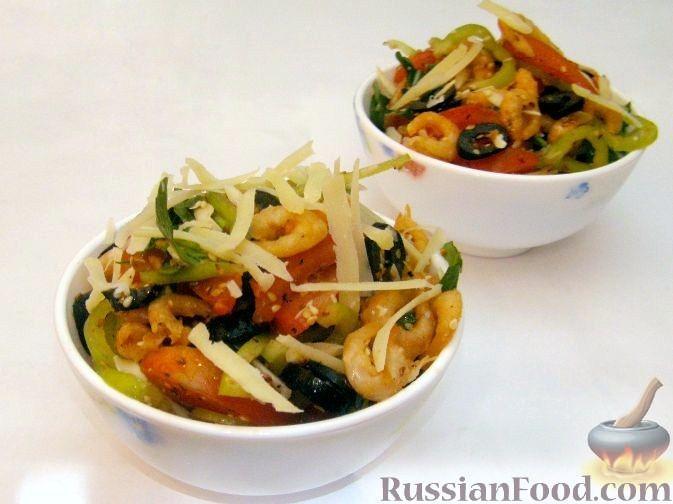 Рецепт Салат с жареными креветками и пармезаном
