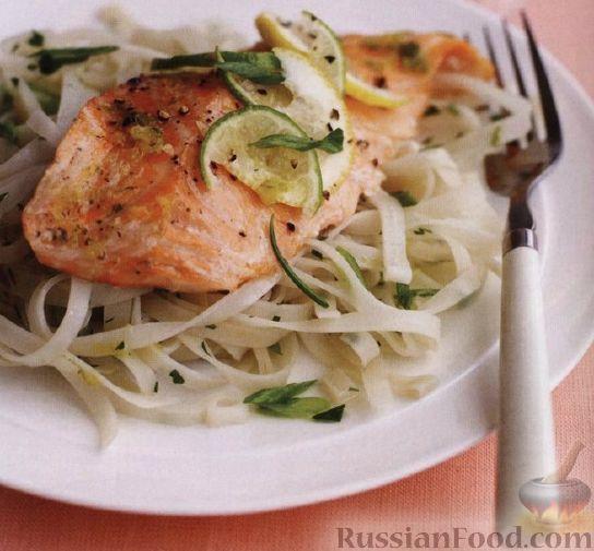 Рецепт Жареный лосось с рисовой лапшой