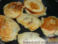 Фото приготовления рецепта: Оладьи с мясом - шаг №15