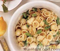 Фото к рецепту: Макароны ракушки с рикоттой и зеленым горошком