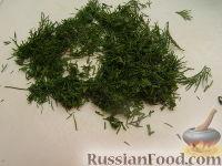 Фото приготовления рецепта: Салат с пикантными шампиньонами - шаг №8