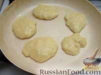 Фото приготовления рецепта: Оладьи из простокваши - шаг №5