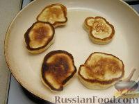 Фото приготовления рецепта: Оладьи из простокваши - шаг №6