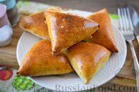 Фото к рецепту: Дрожжевые пирожки с говяжьей печенью и кабачками