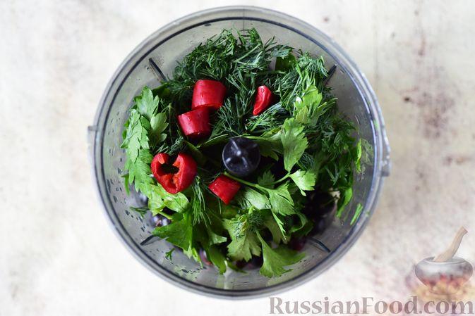 Фото приготовления рецепта: Тушёная капуста с кускусом и сладким перцем - шаг №6