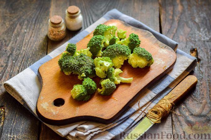 Фото приготовления рецепта: Куриные котлеты с брокколи - шаг №4