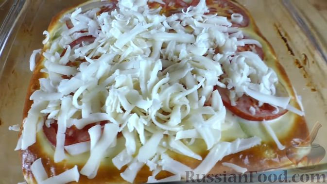 Фото приготовления рецепта: Суп с курицей и тыквенной лапшой - шаг №9