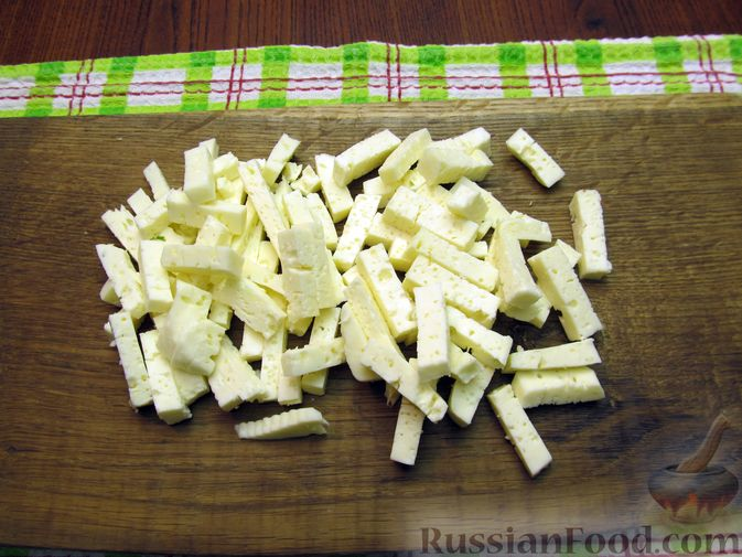 Фото приготовления рецепта: Салат с баклажанами, помидорами, орехами и брынзой - шаг №5