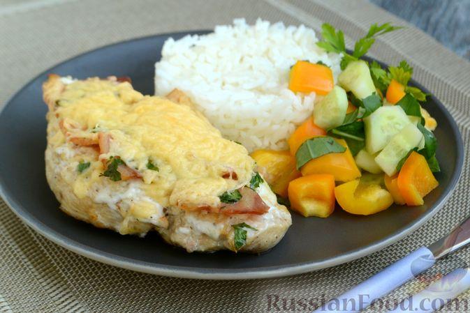 Фото приготовления рецепта: Салат с крабовыми палочками, ананасами, маслинами и кукурузой - шаг №1