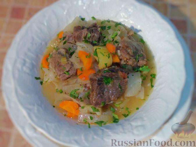Фото к рецепту: Овощное рагу с говяжьими рёбрышками