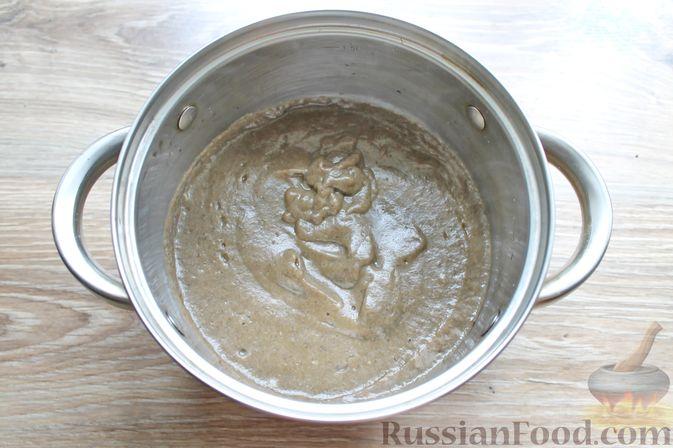 Фото приготовления рецепта: Крем-суп из подосиновиков - шаг №8