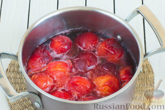 Фото приготовления рецепта: Джем из алычи с корицей (на зиму) - шаг №3