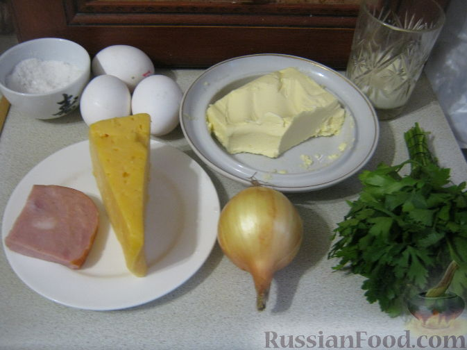 Фото приготовления рецепта: Салат с печенью, сладким перцем, помидорами и орехами - шаг №10