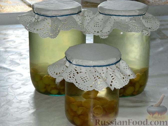 Фото приготовления рецепта: Компот из желтой черешни на зиму - шаг №5