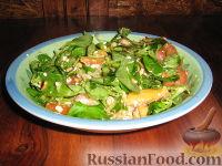 Фото к рецепту: Салат с персиком
