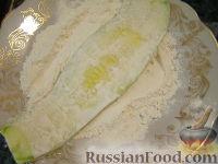 """Фото приготовления рецепта: Жареные кабачки """"Тещин язык"""" - шаг №7"""
