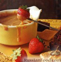Фото к рецепту: Сладкое фондю со сгущенным молоком (в медленноварке)