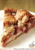 Фото к рецепту: Пирог с грушами и клюквой