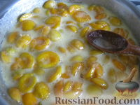 Фото приготовления рецепта: Абрикосовое варенье по бабушкиному рецепту - шаг №6