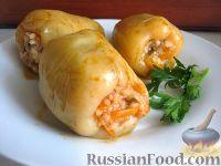 Фото к рецепту: Перец болгарский, фаршированный  овощами и грибами
