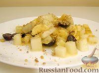 Фото к рецепту: Сладкий салат с дыней и орехами