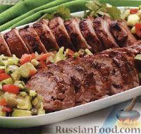Фото к рецепту: Свиное филе на гриле с салатом из авокадо