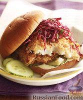 Фото к рецепту: Бургеры с камбалой и капустным салатом