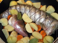 Фото приготовления рецепта: Судак фаршированный - шаг №8