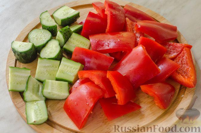 Фото приготовления рецепта: Холодный томатный суп с обжаренными баклажанами - шаг №5