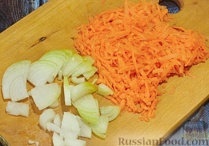 Фото приготовления рецепта: Щи с говядиной и гречневой крупой - шаг №5