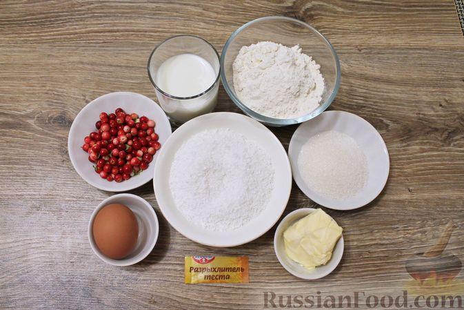 Фото приготовления рецепта: Кокосовые кексы на кефире, с брусникой - шаг №1