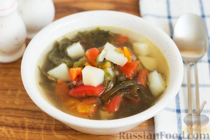 Фото к рецепту: Суп с морской капустой и помидорами
